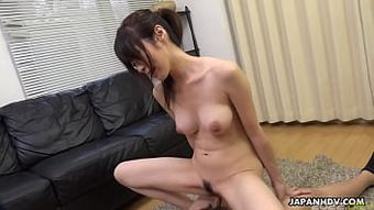 Japanese brunette, Sara Yurikawa got 69-ed, uncensored