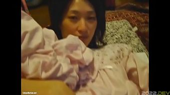 Japanese wife double fisting